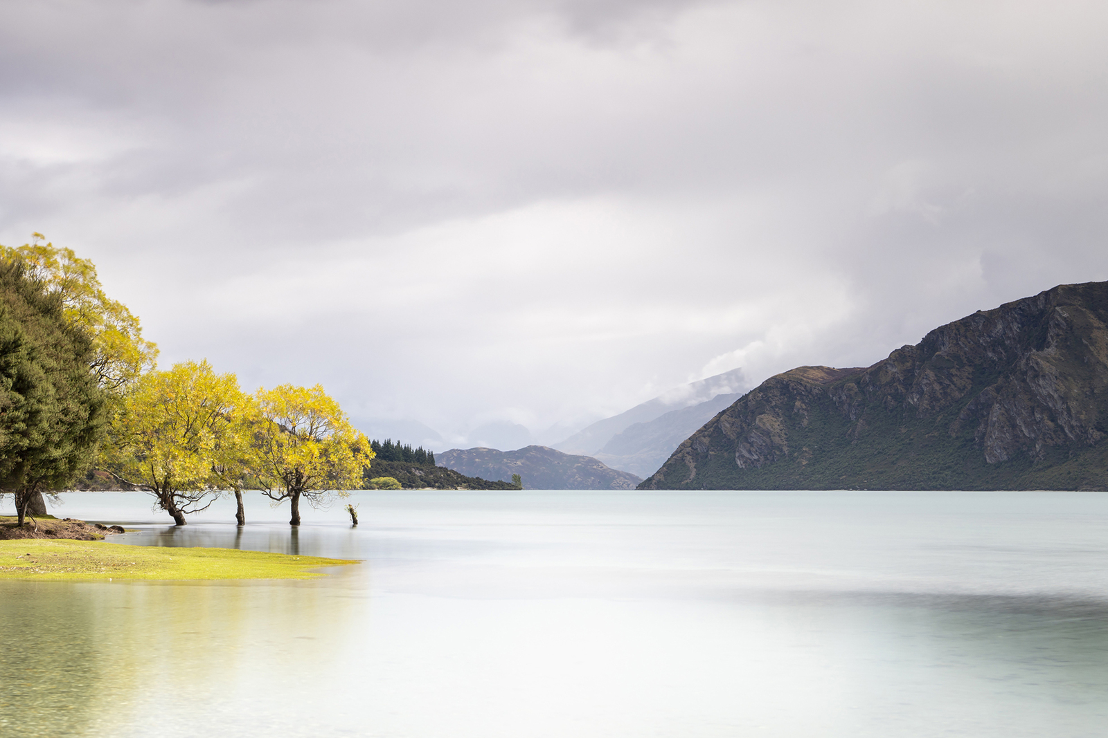 lake Wanaka in herfstkleuren