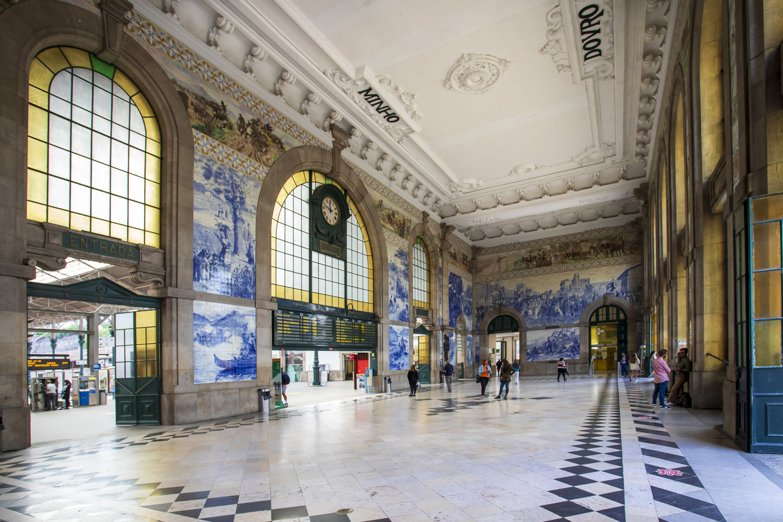 treinstation Sao Bento in Porto