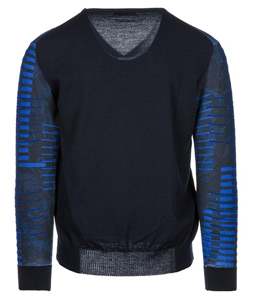 свитер с вырезом мысом мужской secondary image