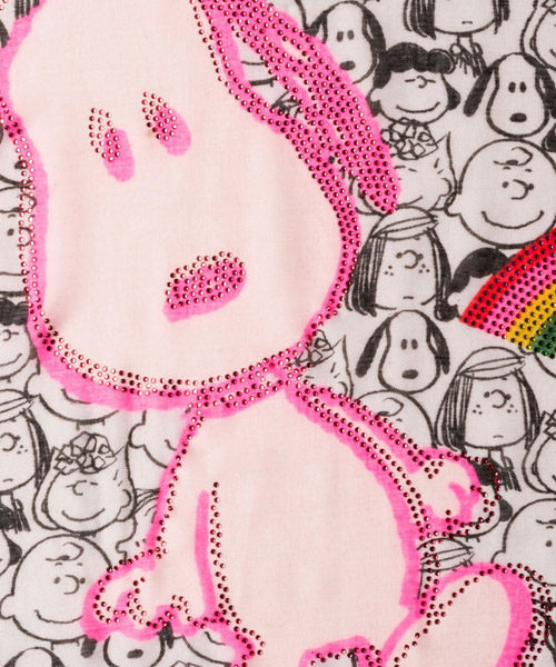 écharpe femme jacquard peanuts snoopy secondary image