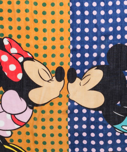 écharpe femme disney minnie and mickey mouse secondary image