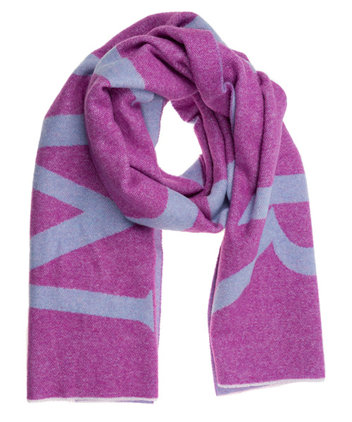 Women's wool scarf secondary image