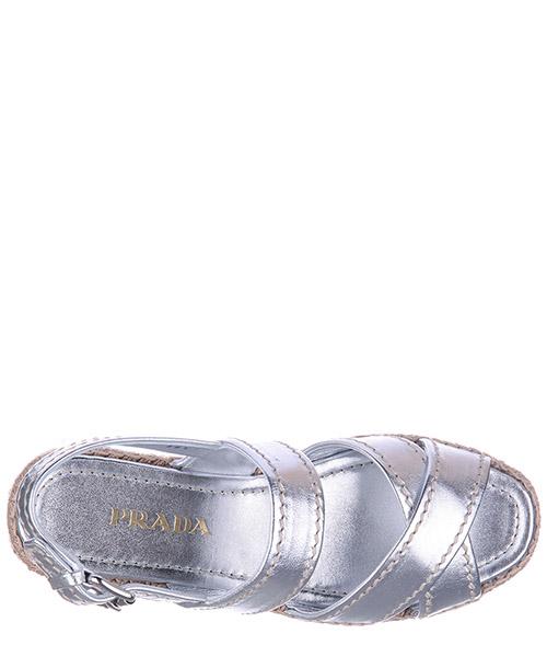 Sandales femme en cuir secondary image