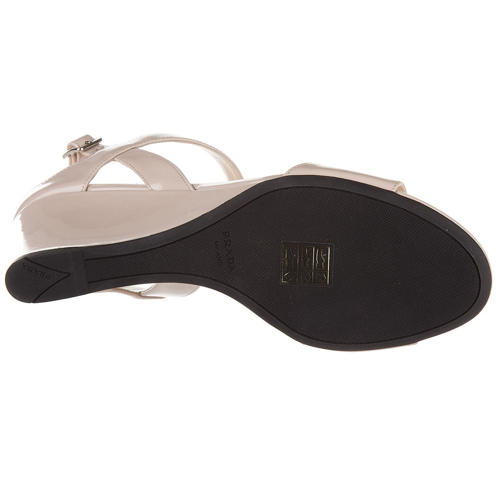 Women's leather heel sandals