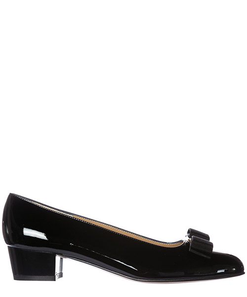 Pumps Salvatore Ferragamo Vara 017468 574572 nero