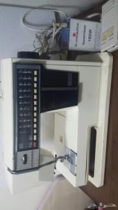 ماكينة خياطة وتطريز