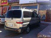 للبيع سيارة هونداى H1   موديل 2005   بنزين