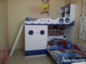غرفة اطفال مدمجة بدولاب دورين بحاله جيدة