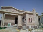 للبيع فيلا دور واحد مؤسس ثلاث شقق غرب الرياض