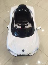 سيارة كبيرة ريموت للأطفال