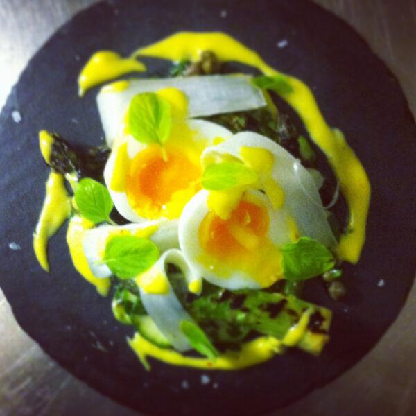 poached egg saffron hollandaise