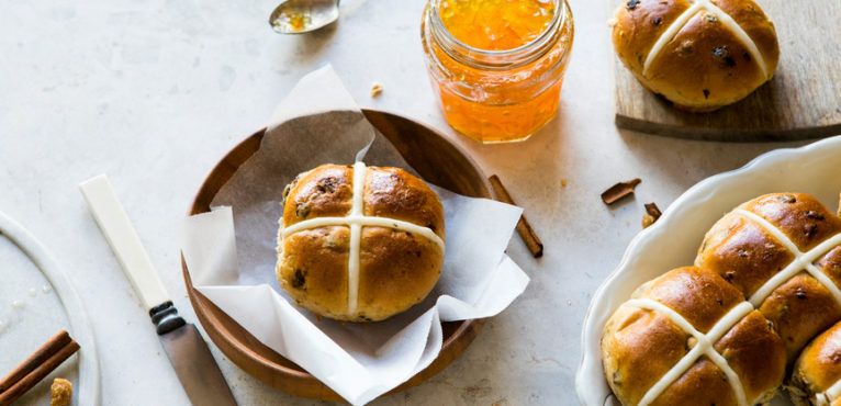Make Someone's Day with a Hot Cross Bun #CookWithLeiths