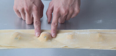 Assemble ravioli