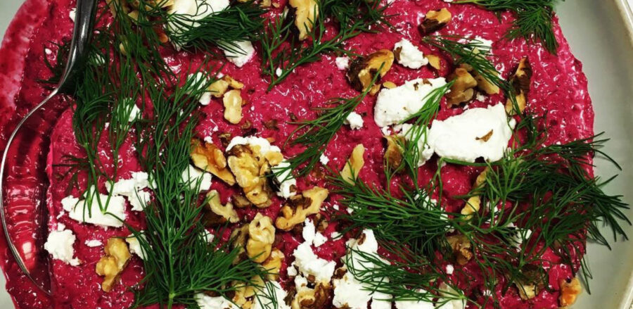Flatbreads with Beetroot, yoghurt and za'atar dip