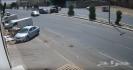 من سبب الحادث سرعة السيارة السوداء ام دخول السيارة الحمراء المسار الخاطئ