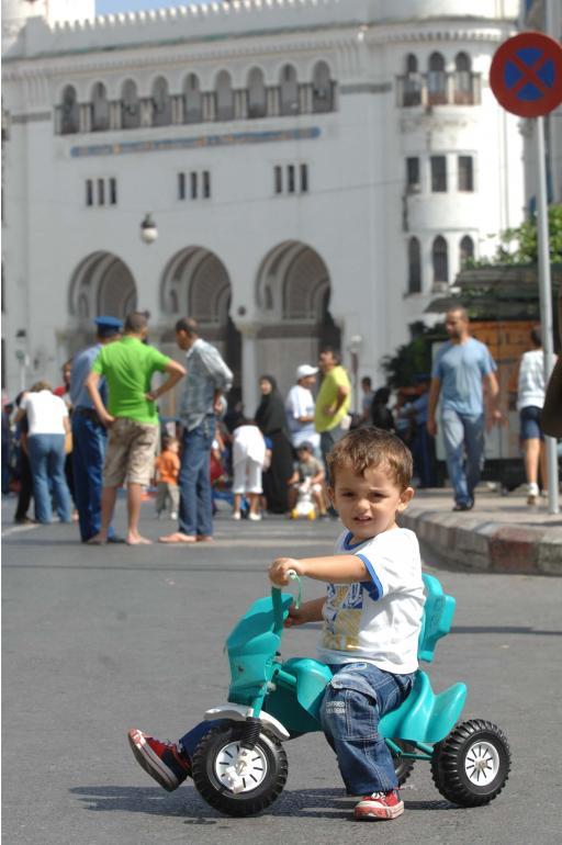 يوم بدون سيارات* العاصمة الجزائرية  *حصريا*