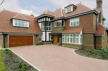 7 Bedrooms Detached House for sale in Cleopatra Close, Stanmore