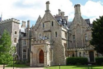 2 Bedrooms Flat for sale in Stanmore Hall, Wood Lane, Stanmore