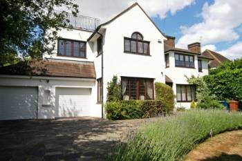 5 Bedrooms Detached House for sale in Valencia Road, Stanmore