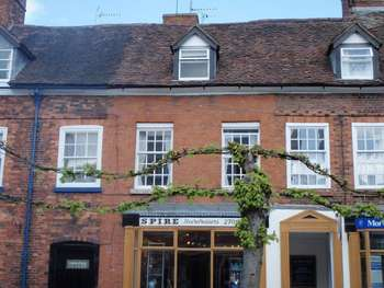 1 Bedroom Flat for sale in Church Street, Cleobury Mortimer, DY14 8BX
