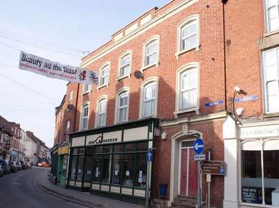 2 Bedrooms Flat for sale in Bromyard, Herefordshire