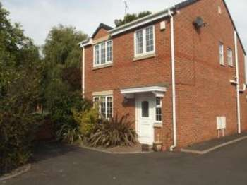 3 Bedrooms Detached House for sale in The Stocks Court, Lowton, Warrington, Cheshire