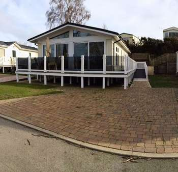 2 Bedrooms Detached House for sale in Rockley Park Poole
