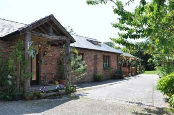3 Bedrooms Property for sale in Wood Lane South, Adlington