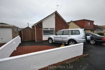 3 Bedrooms Detached Bungalow for sale in Springhill Avenue, Crosshouse, KA2 0JP