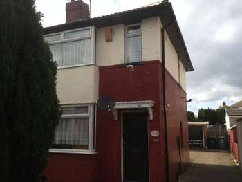 3 Bedrooms Semi Detached House for sale in 86 Hall Lane, Armley, Leeds