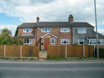 4 Bedrooms Semi Detached House for sale in Marston Lane, Marston, Northwich, Cheshire