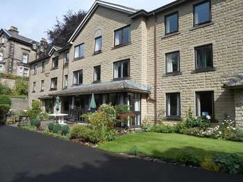 2 Bedrooms Flat for sale in Homemoss House, Park Road, Buxton. SK17 6TH