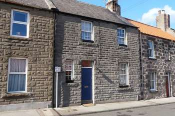 2 Bedrooms Terraced House for sale in High Greens, Berwick-Upon-Tweed