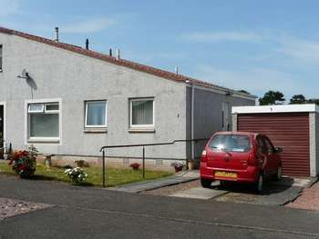 2 Bedrooms Semi Detached Bungalow for sale in Mordington Avenue, Tweedmouth, Berwick-Upon-Tweed