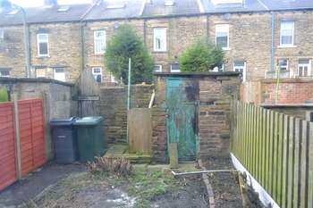 2 Bedrooms Terraced House for sale in Woodhall Avenue, Bradford, BD3 7BU