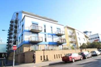 2 Bedrooms Flat for sale in Drummond Road, Croydon