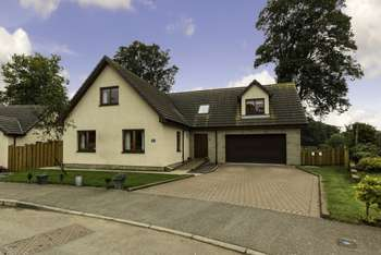 5 Bedrooms Detached House for sale in Bearehill Brae, Brechin, Angus, DD9 6XD