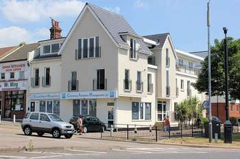 2 Bedrooms Flat for sale in Southchurch Avenue, Southend-on-Sea