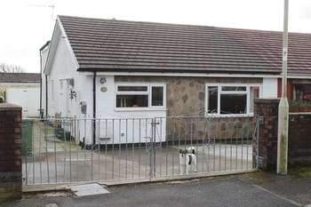 3 Bedrooms Semi Detached Bungalow for sale in Maes Y Bryn, Tonyrefail, CF39 8LA