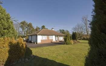 "3 Bedrooms Detached Bungalow for sale in ""Berkswell"" Bridgnorth Road, Wombourne"