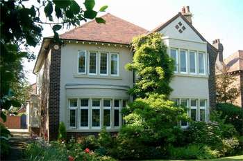 6 Bedrooms Detached House for sale in 125 St Annes Road East, LYTHAM ST ANNES, Lancashire