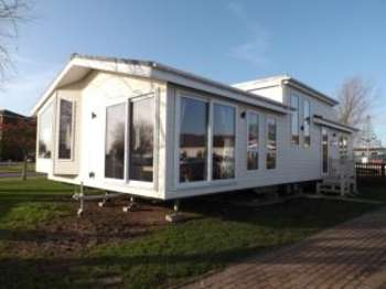 2 Bedrooms Bungalow for sale in Skegness, Lincolnshire