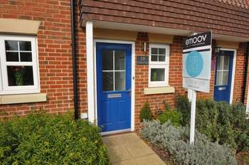 4 Bedrooms House for sale in Waterers Way, Bagshot