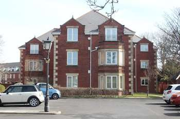 2 Bedrooms Flat for sale in THE ELMS, WHITEGATE DRIVE, BLACKPOOL