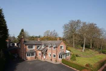 5 Bedrooms Detached House for sale in Kidderminster Road, Bewdley DY12 1LJ