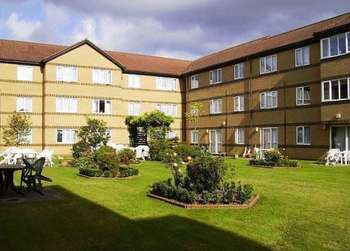 1 Bedroom Retirement Property for sale in Ilford, Limewood Court