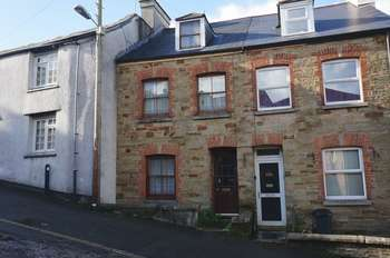 3 Bedrooms Terraced House for sale in Bodmin