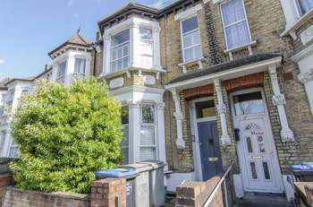3 Bedrooms Terraced House for sale in Nightingale Road, London, NW10