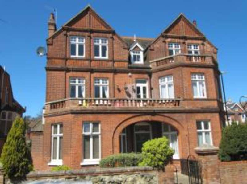 2 Bedrooms Flat for sale in Hartfield Road, Eastbourne, East Sussex