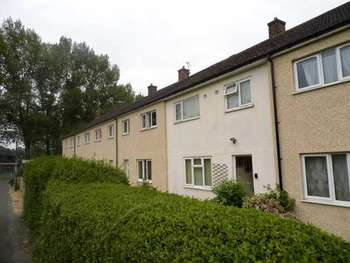 3 Bedrooms Terraced House for sale in Gwenfro, Wrexham, Clwyd, LL13 8TR